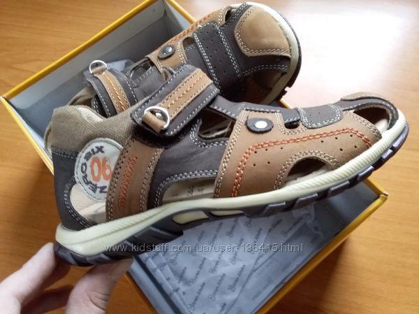 Босоножки Baeren Schuhe для мальчика 30 р-р полностью кожа