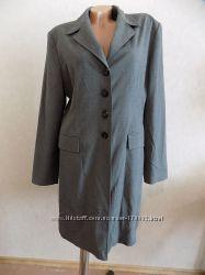Пальто-пиджак удлиненное осеннее серое фирменное размер 50