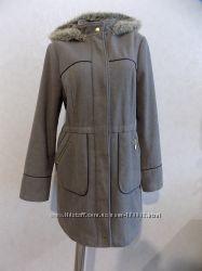 Пальто шерстяное с капюшоном с мехом бежевое фирменное George размер 48