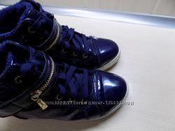 Сникерсы лакированные темно-синие размер 38 стелька 24 см
