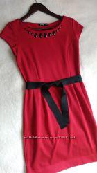 Красивое платье Остин ХS состояние отличное