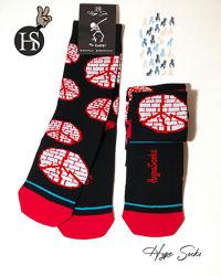 Яркие креативные носки от HypeSocks PEACE.