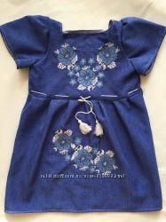 Плаття з вишивкою на дівчинку 4-5 років