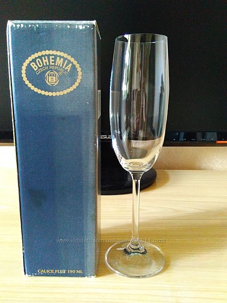 Бокал для вина или шампанского высокий