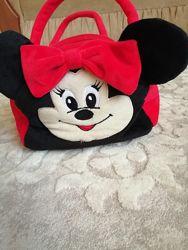 красная меховая сумочка Минни