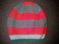 Фирменные шапочки на девочку