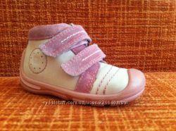 Eleganten ботинки деми 20 размер 12, 5 см. кожа