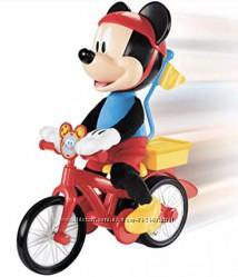 микки маус на велосипеде Disney