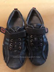 Продам спортивные туфли макасины 29 размера для мальчика