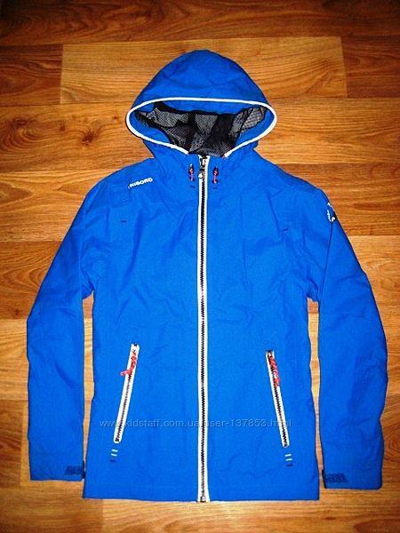 Курточка-ветровка Decathlon на 8 лет