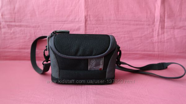 Фирменная сумочка на фотоаппарат Delsey