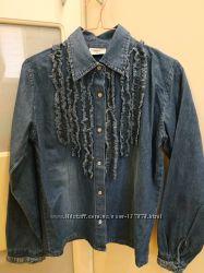 Красивая джинсовая рубашка