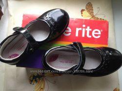 Красивые качественные туфельки для девочки