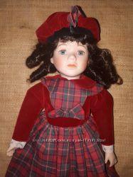очень красивая коллекционная фарфоровая куколка   the Promenade collection