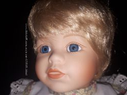 коллекционная фарфоровая куколка Alice the Promenade collect