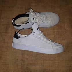 40. 2- 26. 3 кроссовки замша Adidas