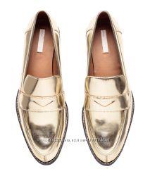 Золотые туфли- лоферы HM