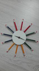 Часы настенные с карандашами