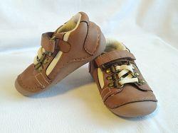 Кроссовки детские коричневые кожаные Mothercare размер 18 UK3, EU19