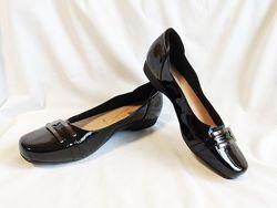 Балетки женские лаковые черные Clarks Размер 40, UK7Е, EU41