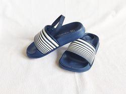 Сандалии детские кроксы синие Primark размер 22, EU23