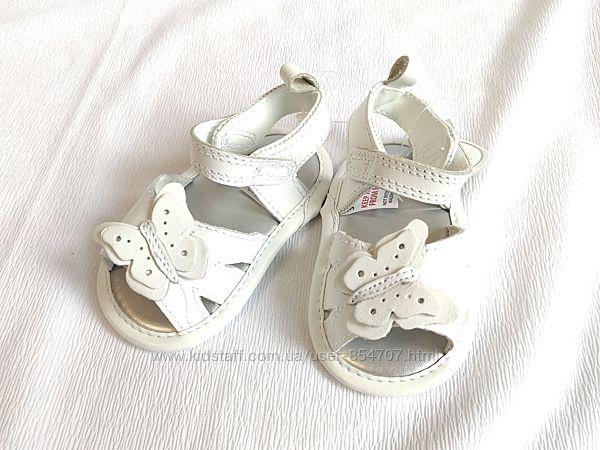 Сандалии детские кожаные белые BHS размер 16, 3-6 мес