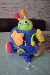 Развивающая игрушка Tiny Love Activity Ball мяч с гусеницей