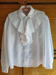 Нарядная блузка с жабо на рост 128-134
