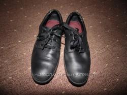 Кожанные туфли Clarks размер 32 стелька 20-20. 5 см