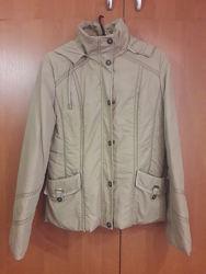 Демисезонная куртка 46 размер