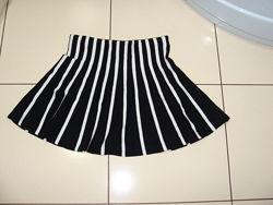 Трикотажная юбка  H&M на 8-10 лет.