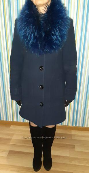 Роскошное зимнее пальто на ватине с натуральным енотом, р. 44-46