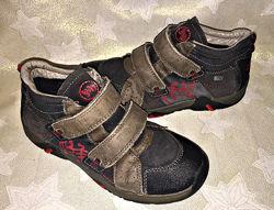 Демисезонные ботинки Salamander  с мембраной tex р. 31