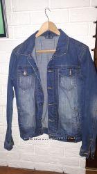 Мужская джинсовая куртка М