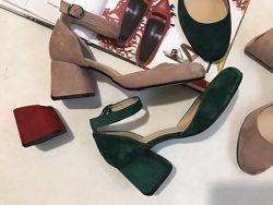 Новинка Шикарные туфли  зеленые натуральные замшевые
