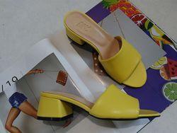 Новинка желтые  Мюли шлёпанцы кожаные на каблуке