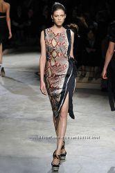 Подиумное платье Prada , оригинал, одето раз.
