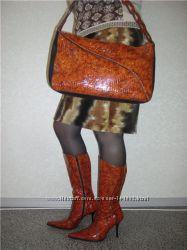 Рыжие сапоги и сумка натуральная  лаковая кожа