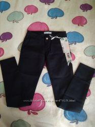 Джинсы  брюки школьные на девочку 140-146 рост