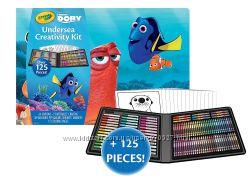 Набор Crayola Finding Dory Creativity Kit 125 предметов