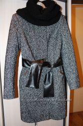 Очень красивое теплое пальто, новое, размер L.