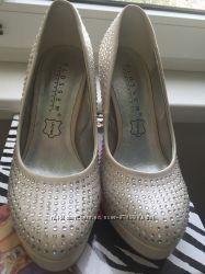 Свадебные туфли 36р Blossem беж шампань