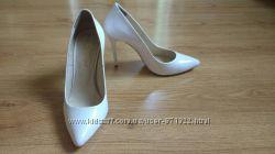 Свадебные нарядные белые туфли р. 37