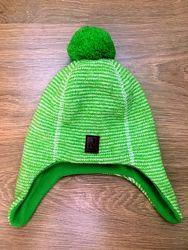 Зимняя шапка Reima р.50 в отличном состоянии