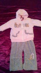 Продам великолепный велюровый костюм на синтепоне для девочки