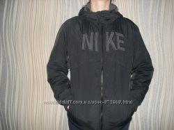 Продам демисезонную курточку NIKE на 9-13 лет
