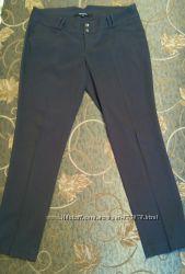Красивые стильные деловые женские брюки графитового цвета Reserved