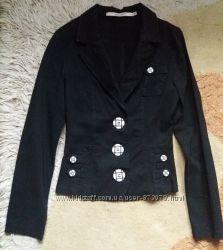 Красивый стильный элегантный приталенный черный женский пиджак офис стрейч