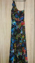 Шикарное платье- сарафан на одно плече.