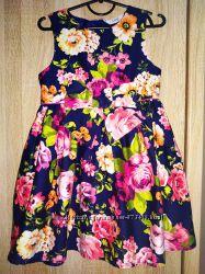 Нарядное платье с ярким бантом